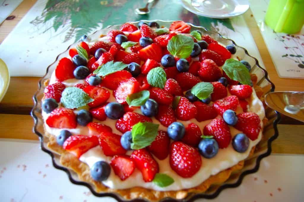 Follow These Easy Steps To Prepare A Mouthwatering Strawberry Pie Pastry